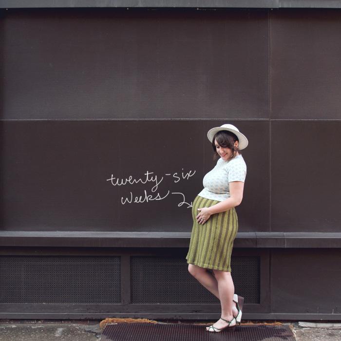 maternity style blogger fashion 26 weeks baby bump